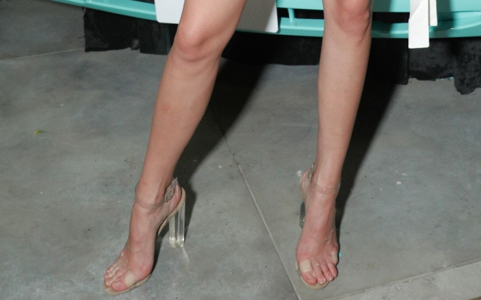 Kendall-Jenner-clear-shoes-summer