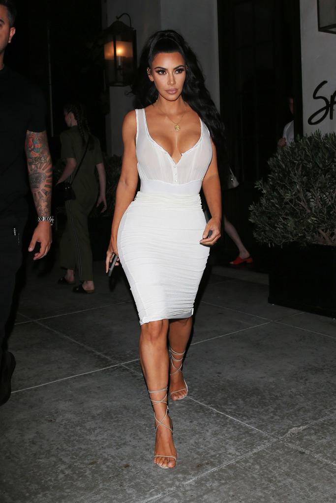 kim kardashian, spago, white outfit, sandals,