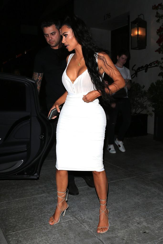 kim kardashian, spago restaurant, white dress, strappy nude sandals