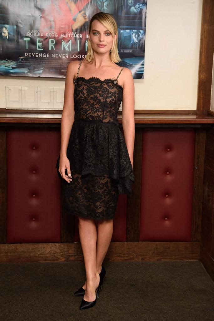Margot Robbie, terminal red carpet, chanel pumps lucite heels, lace dress