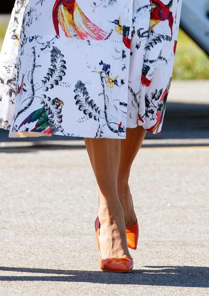 Melania Trump, orange manolo blahnik bb pumps
