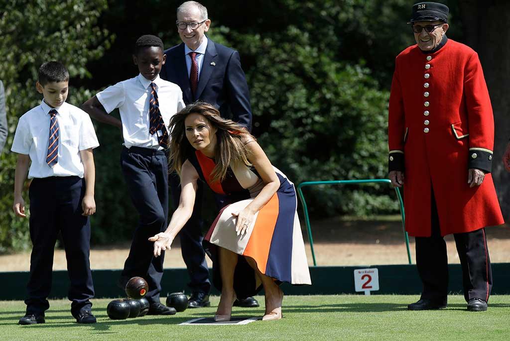 Melania Trump plays bowls in London.