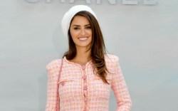 Penelope Cruz, chanel tweed dress
