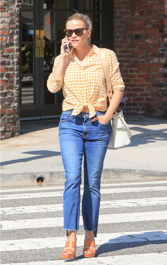 reese witherspoon, reese witherspoon street style, chloe bucket bag, ch