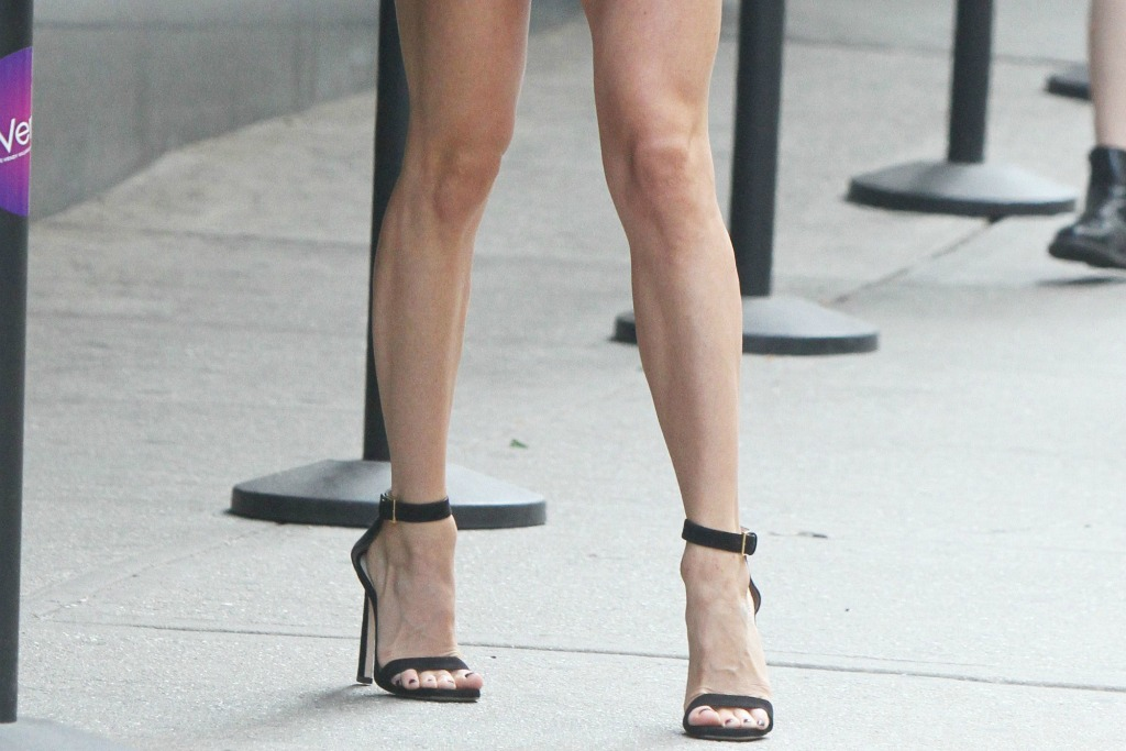 Kristin Cavallari seen in a pair of black sandals.