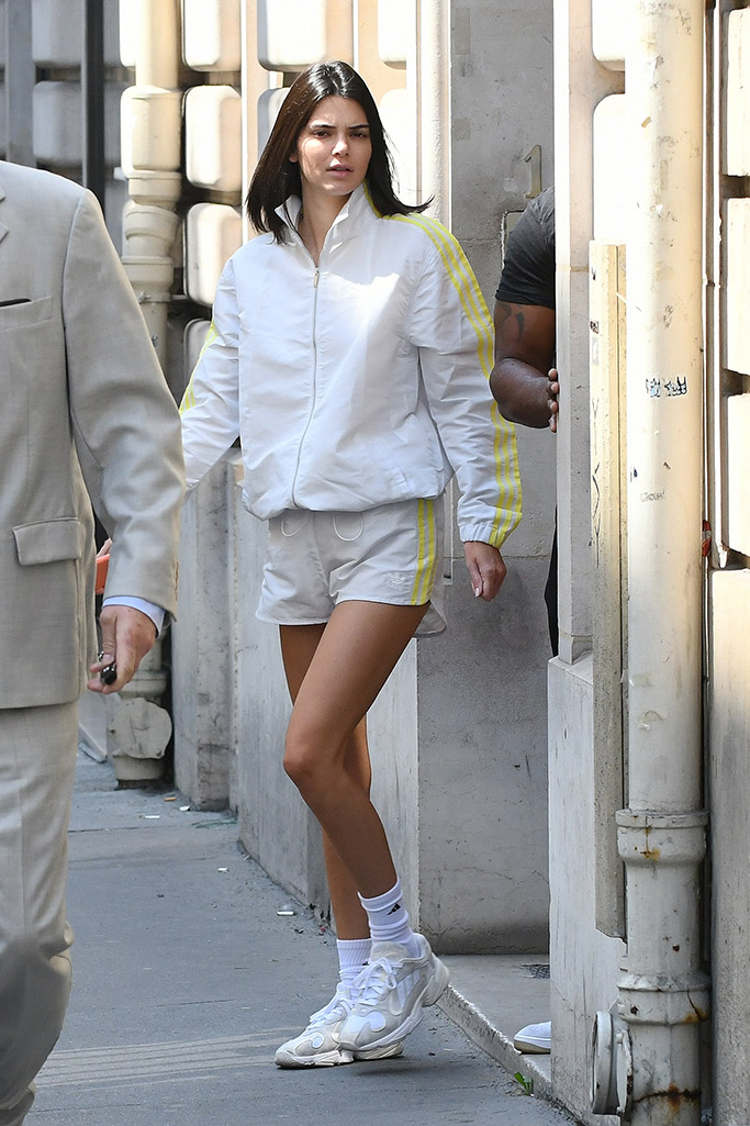 mordedura Panda censura  Kendall Jenner Wears Adidas x Wardrobe.NYC's Dad Shoe Twice in a Day –  Footwear News