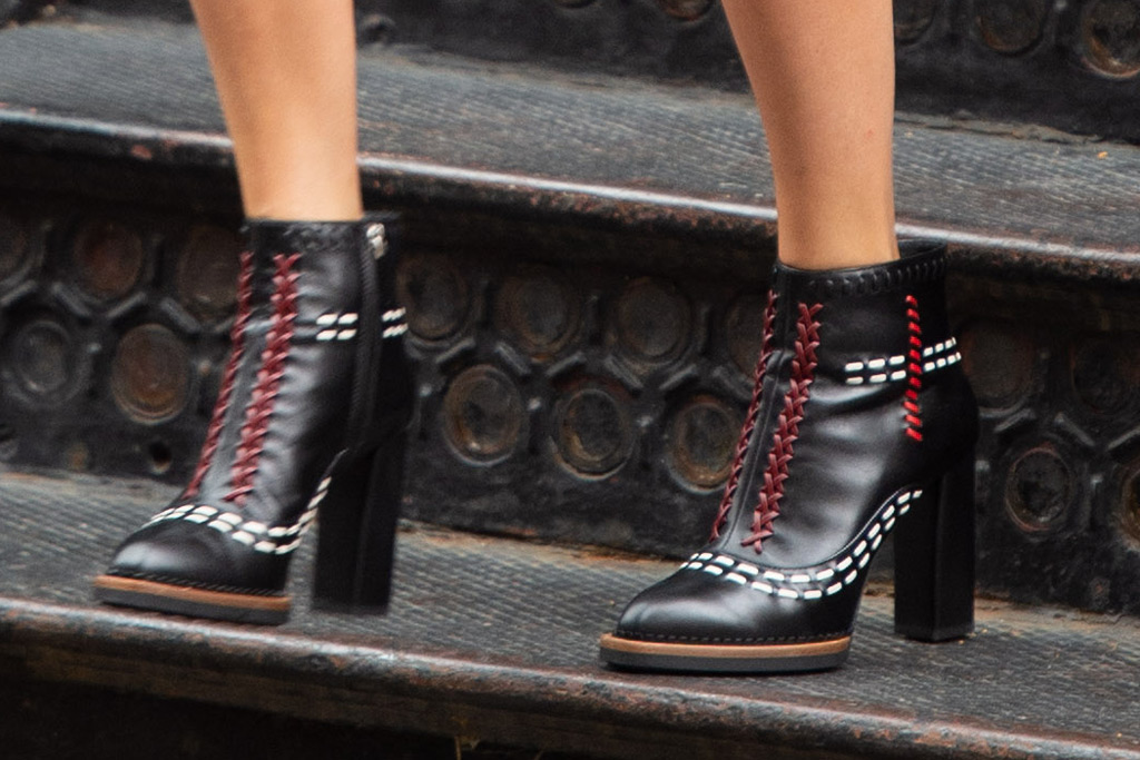 Taylor Swift, ankle boots