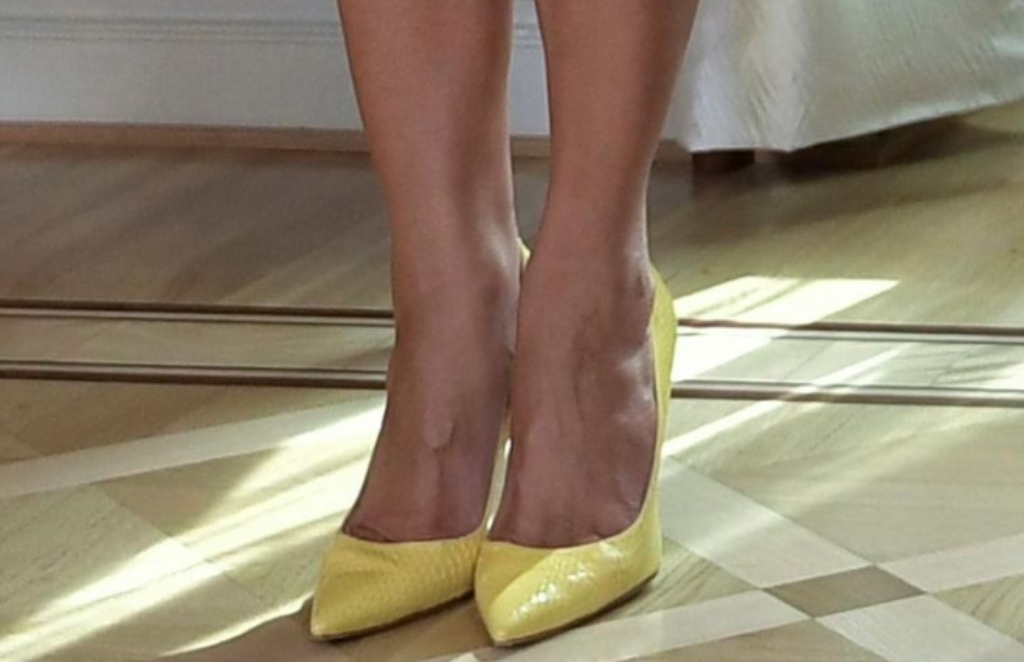 melania trump, yellow pumps, pointy-toed pumps, melania trump shoes, melania trump feet