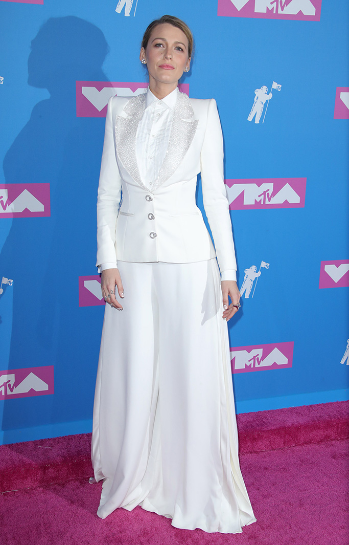 Blake Lively, ralph russo suit, MTV Video Music Awards, Arrivals, New York, USA - 20 Aug 2018WEARING RALPH AND RUSSO SAME OUTFIT AS CATWALK MODEL *9731902g