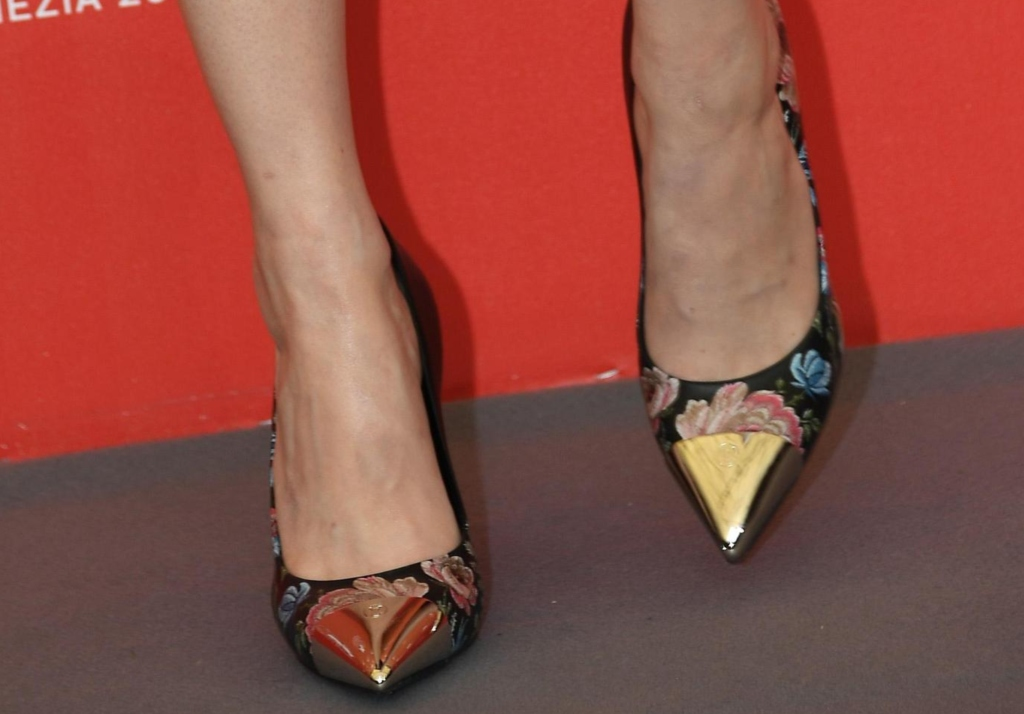 emma stone, cap-toe pumps