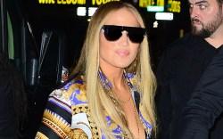 Jennifer Lopez looks striking in a