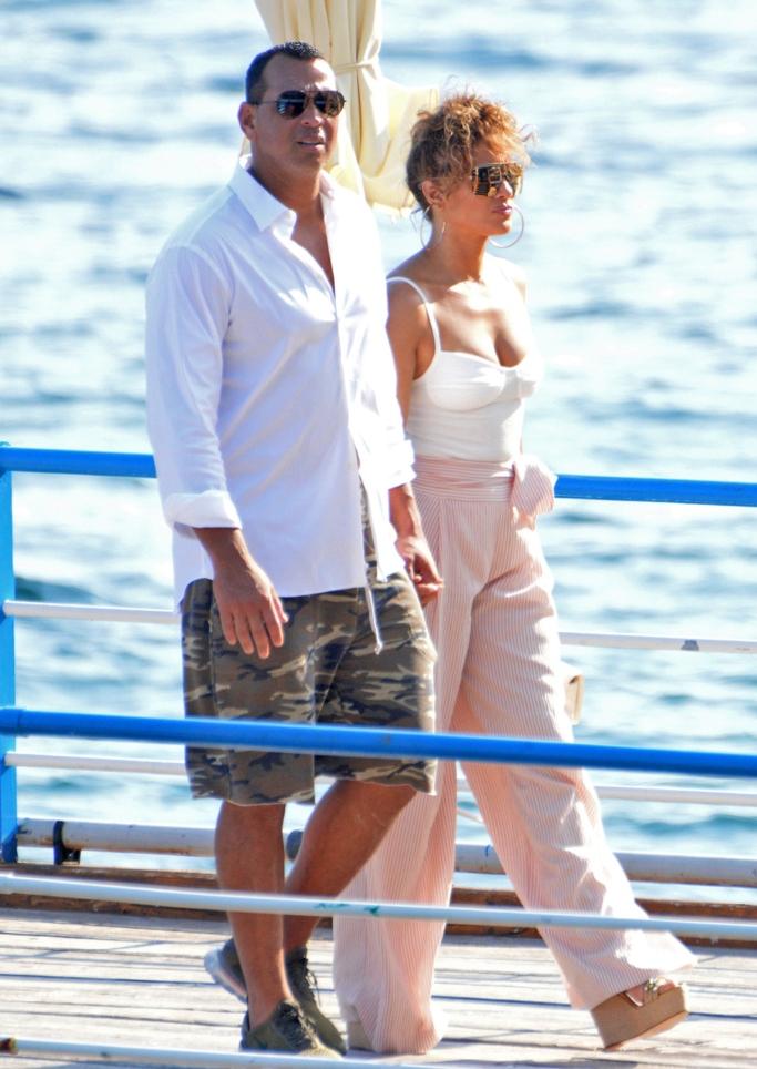 Jennifer Lopez and Alex Rodriguez, vacation style, wedges, chanel