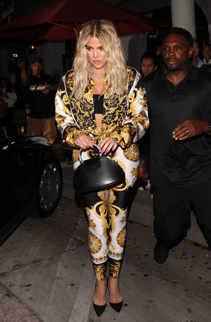 khloe kardashian, versace, VersaceBaroque printleggings, street style