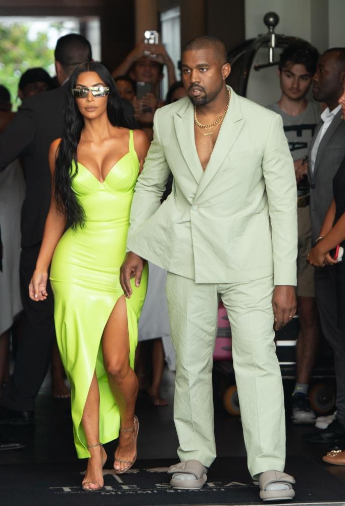 kim kardashian, kanye west, 2 chainz wedding, louis vuitton