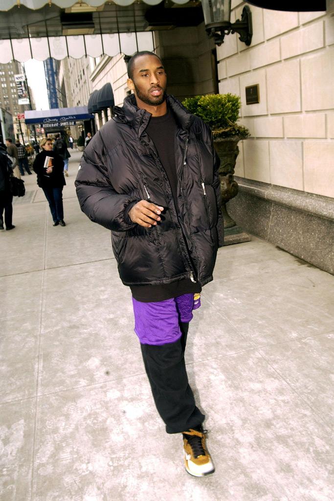 kobe bryant, nike, 2005, basketball sneakers, lakers