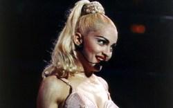 Madonna show Madonna wears a bra