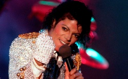 Michael jackson In this photo, Michael