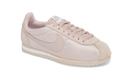 Nike womens cortez