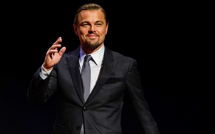 Leonardo DiCaprioDiCaprio at 'Goed Geld Gala' charity event, Amsterdam, Netherlands - 15 Feb 2018US actor Leonardo DiCaprio on the red carpet of the 'Goed Geld Gala' charity event in theater Carre in Amsterdam, the Netherlands, 15 February 2018. The Dutch Lottery De Postcode Loterij will announce which charities receive a donation check.