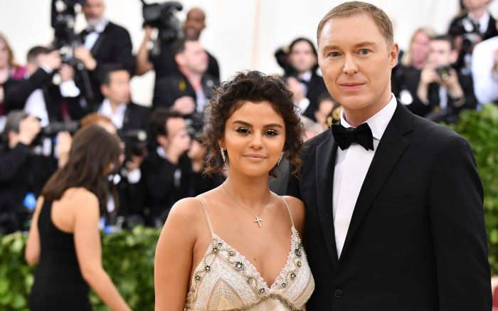 Selena Gomez, Stuart Vevers. Selena Gomez, left, and Stuart Vevers attend The Metropolitan Museum of Art's Costume Institute benefit gala celebrating the opening of the Heavenly Bodies: Fashion and the Catholic Imagination exhibition, in New York2018 MET Museum Costume Institute Benefit Gala, New York, USA - 07 May 2018