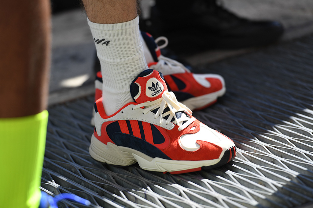 radio pase a ver Plaga  Adidas CEO Says Millennials Are Making Dad Shoes Cool, Trendy – Footwear  News