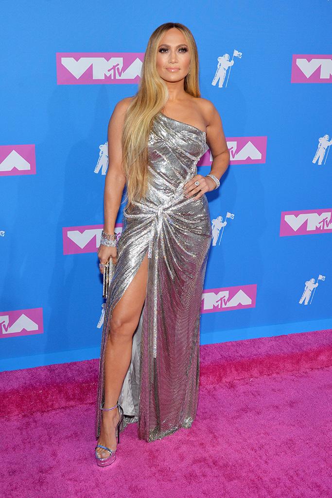 Jennifer Lopez Looks Amazing in Silver One-Shoulder Gown