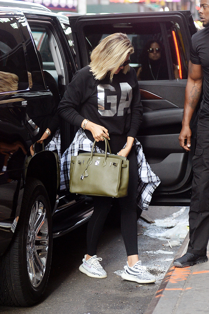 Khloe Kardashian is photographed arriving at an event in Times Square today in New YOrk CityPictured: Khloe KardashianRef: SPL5013890 020818 NON-EXCLUSIVEPicture by: Elder Ordonez / SplashNews.comSplash News and PicturesLos Angeles: 310-821-2666New York: 212-619-2666London: 0207 644 7656Milan: +39 02 4399 8577Sydney: +61 02 9240 7700photodesk@splashnews.comWorld Rights, No Portugal Rights
