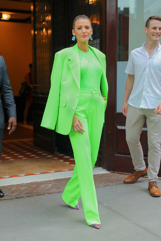 Blake Lively looks radiant in a bright green suit as leaving her hotel in New York CityPictured: Blake LivelyRef: SPL5016825 170818 NON-EXCLUSIVEPicture by: Felipe Ramales / SplashNews.comSplash News and PicturesLos Angeles: 310-821-2666New York: 212-619-2666London: 0207 644 7656Milan: +39 02 4399 8577Sydney: +61 02 9240 7700photodesk@splashnews.comWorld Rights