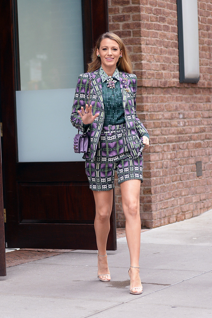 Blake Lively is all smiles while leving her hotel on her way to do a photoshoot in New York City this morningPictured: Blake LivelyRef: SPL5016895 180818 NON-EXCLUSIVEPicture by: Elder Ordonez / SplashNews.comSplash News and PicturesLos Angeles: 310-821-2666New York: 212-619-2666London: 0207 644 7656Milan: +39 02 4399 8577Sydney: +61 02 9240 7700photodesk@splashnews.comWorld Rights, No Portugal Rights