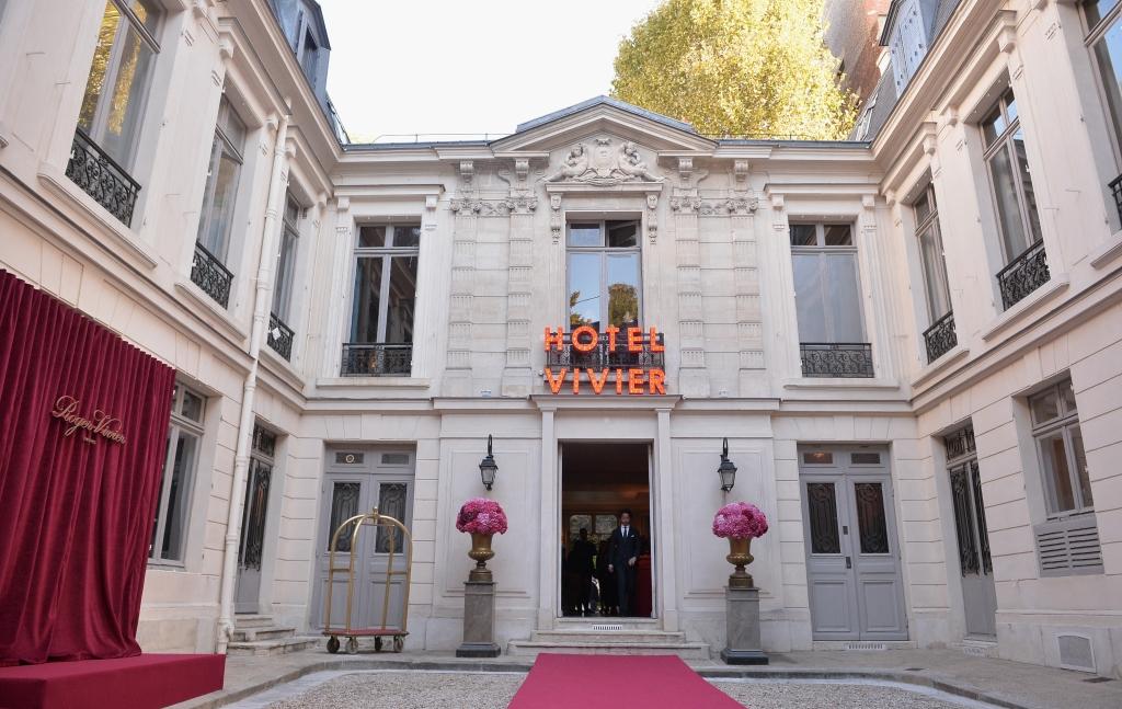 attends the Roger Vivier Presentation Spring/Summer 2019 during Paris Fashion Week on September 27, 2018 in Paris, France.