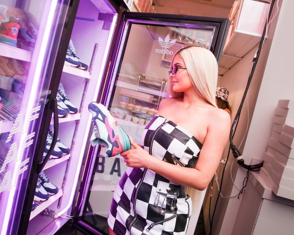 Kylie Jenner, adidas falcon