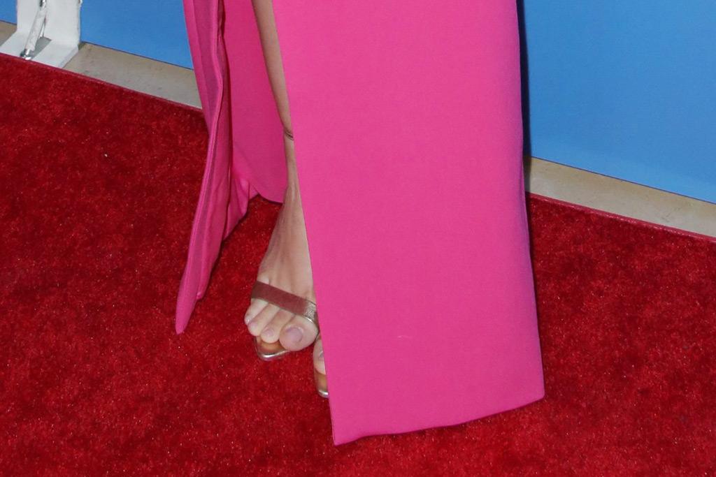Ariel Winter, metallic sandals, red carpet