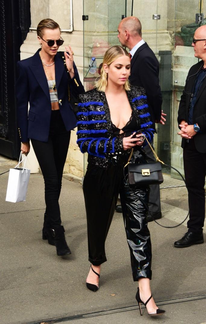ashley benson, cara delevingne, balmain spring 2019, paris fashion week
