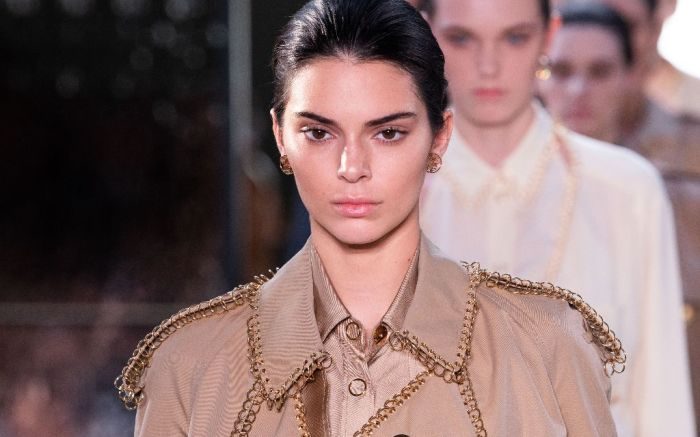 kendall jenner burberry spring 2019