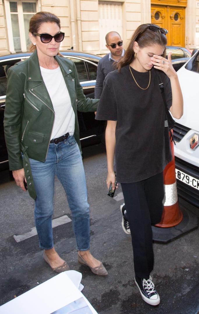cindy crawford, kaia gerber, paris fashion week, converse