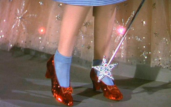 dorothy-ruby-slippers