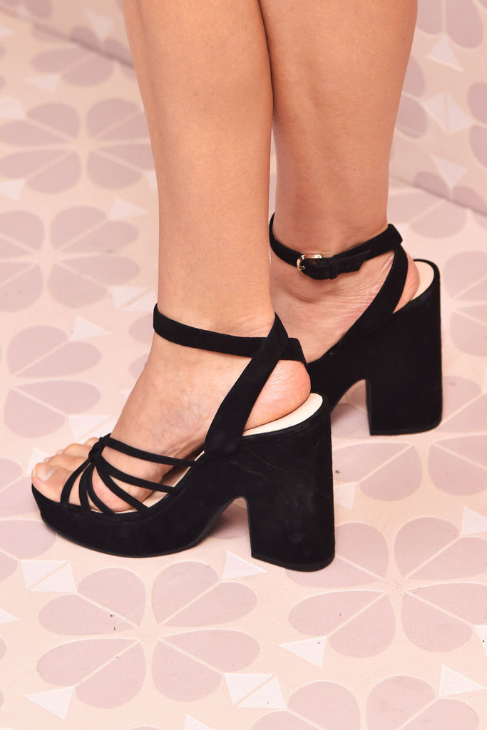 Elizabeth Olsen, footwear, sandals, kate spade