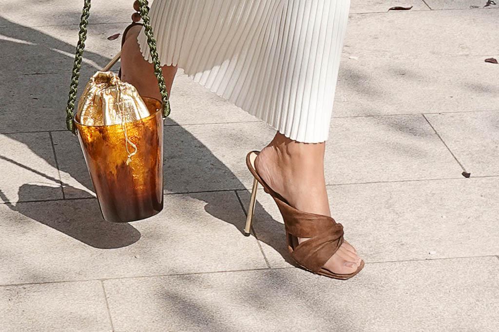 emily ratajkowski, brown sandals