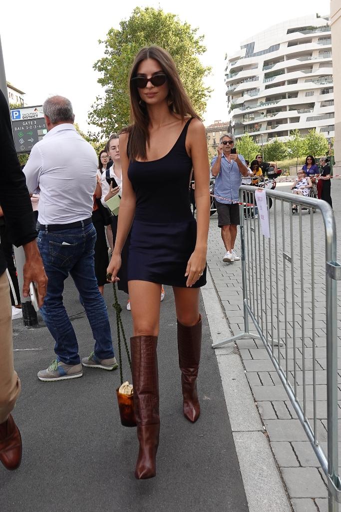 emily ratajkowski, milan fashion week, brown boots