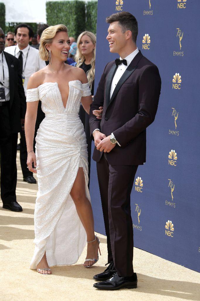Scarlett Johansson, colin jost, emmys red carpet