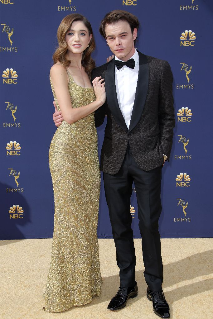 Natalia Dyer and Charlie Heaton, emmys red carpet