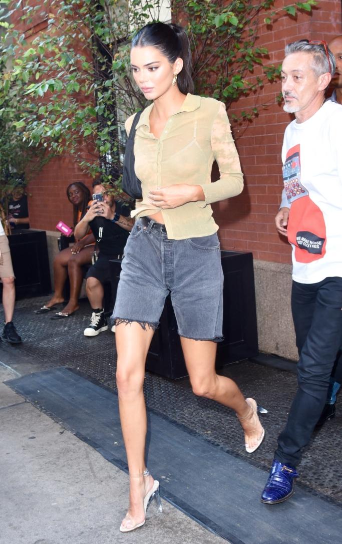 kendall jenner, clear pvc sandals, new york fashion week, yeezy Season 7 transparent PVC ankle-strap sandals