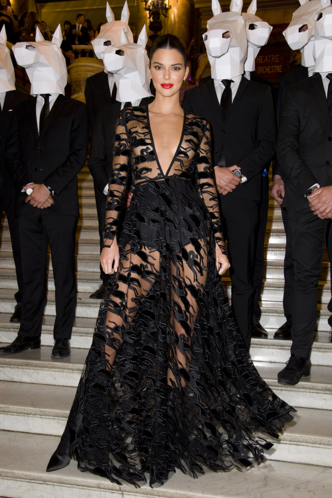 Kendall Jenner's lace dress featured galloping horses.
