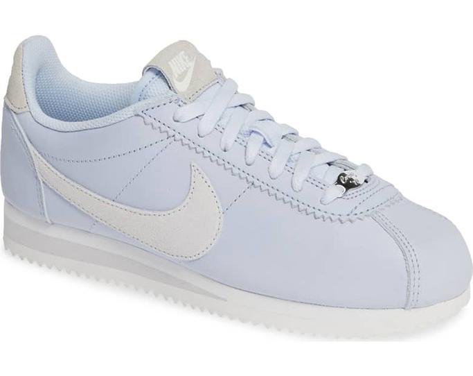 Nike Classic Cortez in half blue/white/vast gray.