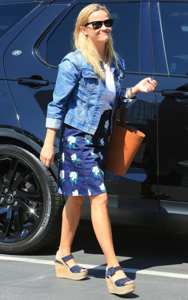 reese witherspoon, prada, draper james, wedges