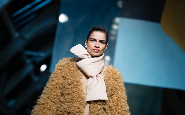 Model on the catwalk Roksanda show, Runway, Fall Winter 2018, London Fashion Week, UK - 19 Feb 2018