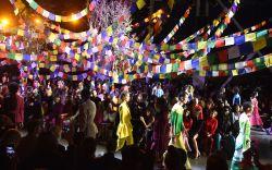 Models on the catwalkPrabal Gurung show,