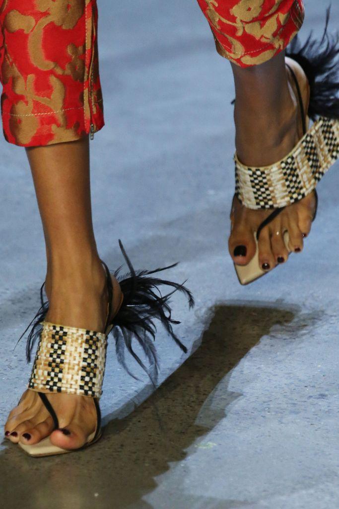 prabal gurung spring 2019 feather sandals