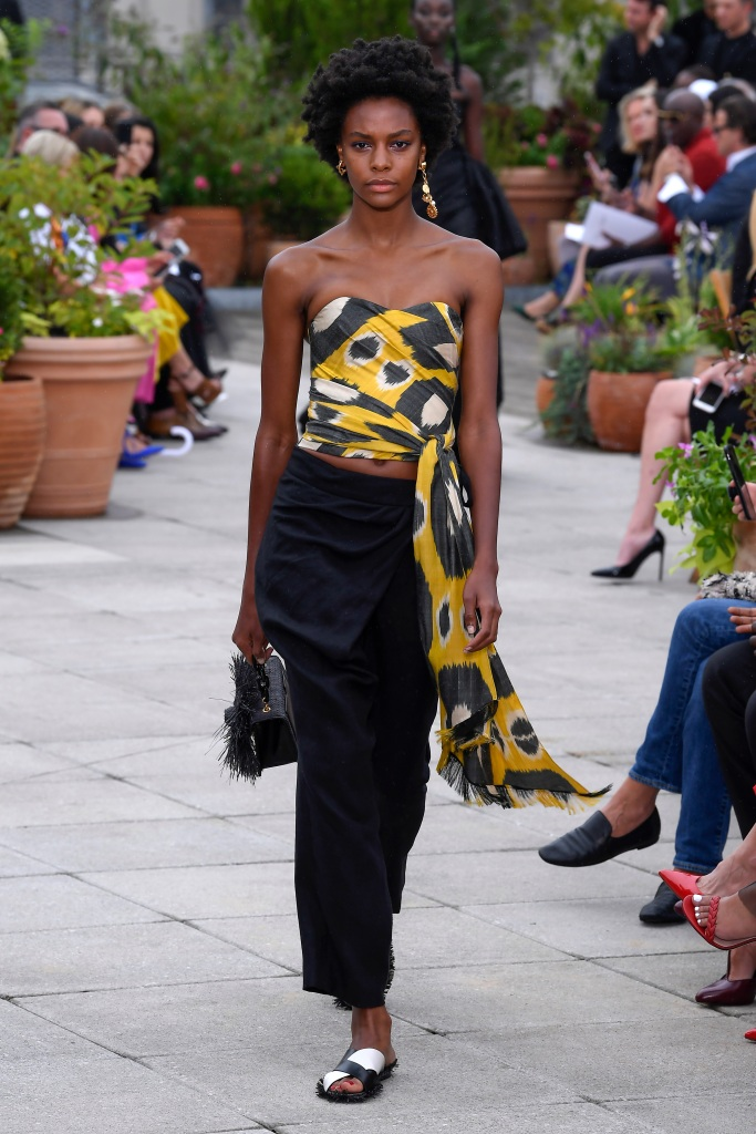 Model on the catwalkOscar de la Renta show, Runway, Spring Summer 2019, New York Fashion Week, USA - 11 Sep 2018