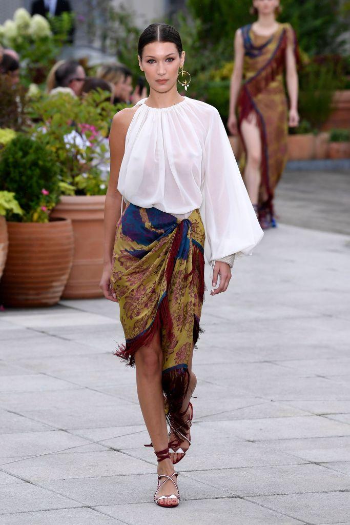 Bella Hadid on the catwalkOscar de la Renta show, Runway, Spring Summer 2019, New York Fashion Week, USA - 11 Sep 2018